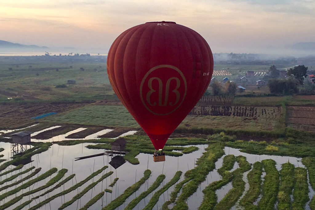 Balloon Over Inle-Lake