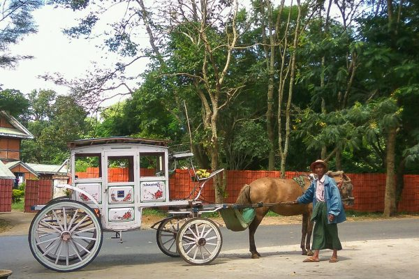 Horse Cart in Pyin Oo Lwin